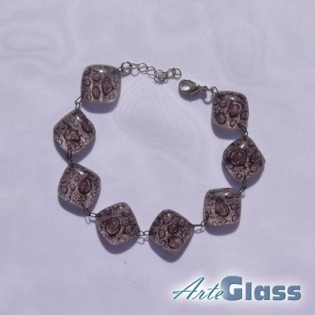 Гривна кафява съставна с еднакви компоненти от стъкло с мехурчета