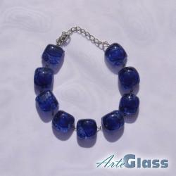 Гривна кафява съставна с еднакви компоненти от синьо стъкло с мехурчета