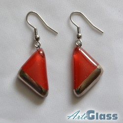 Обеци от червено стъкло, 1,5 см триъгълник декорирани със стара платина